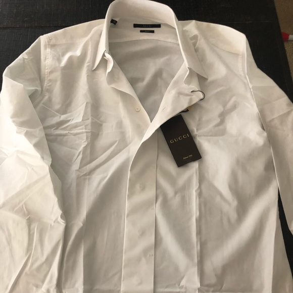 b97d58b40d35e Gucci Men s button down shirt